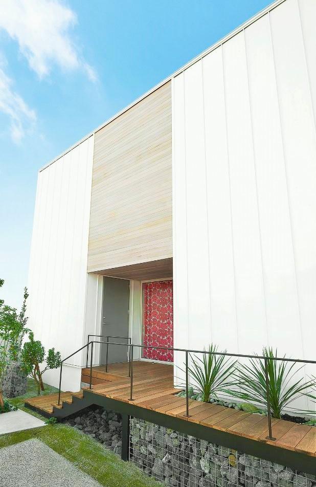 TRETTIO北入り玄関外観デザイン