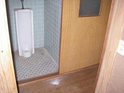 既存トイレ全景