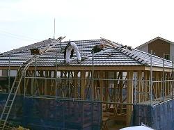 屋根瓦葺き1